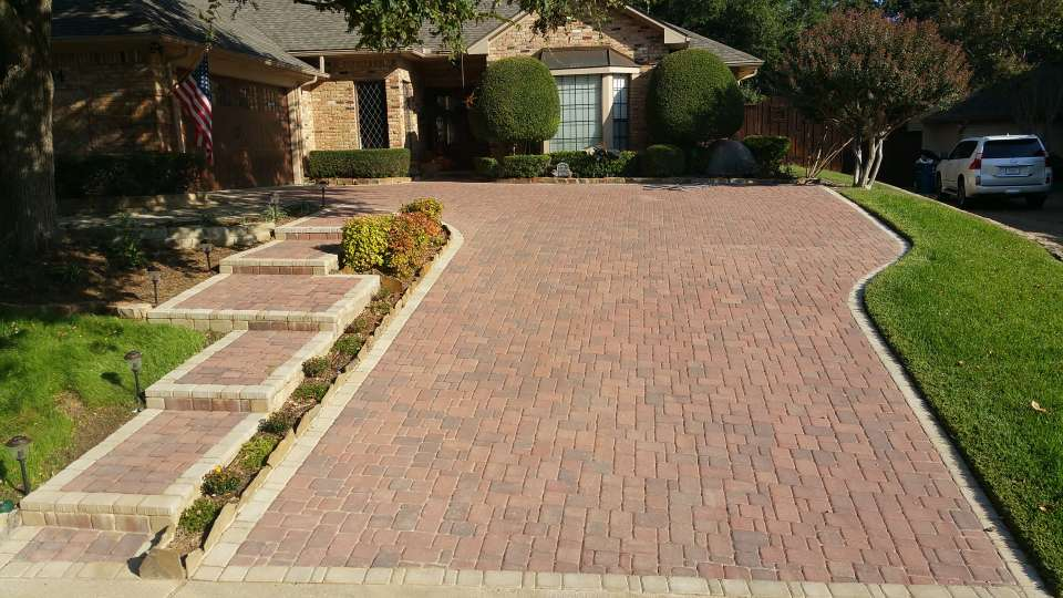 Paver Driveway In Brazos Blend Field And Hill Country Border