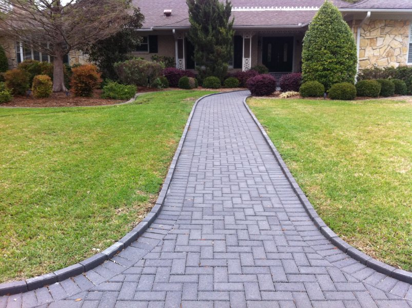 Pavers Installed In Holland Stone Charcoal