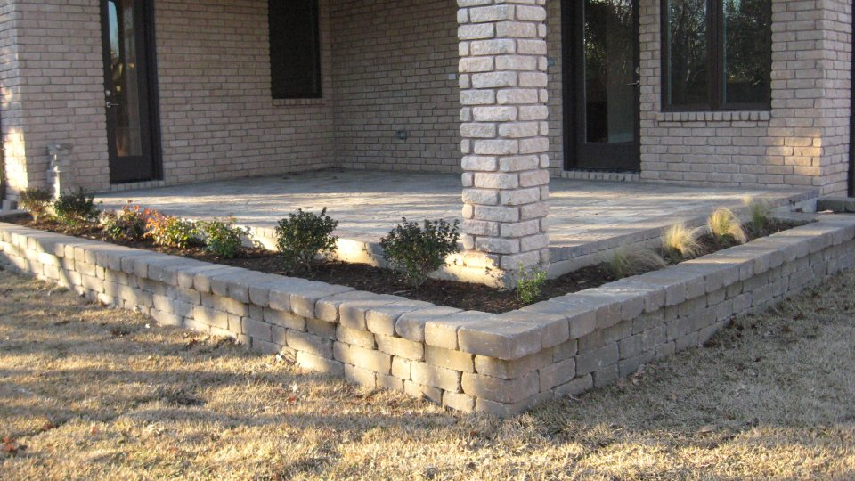 Seat And Retaining Walls Legacy Custom Pavers