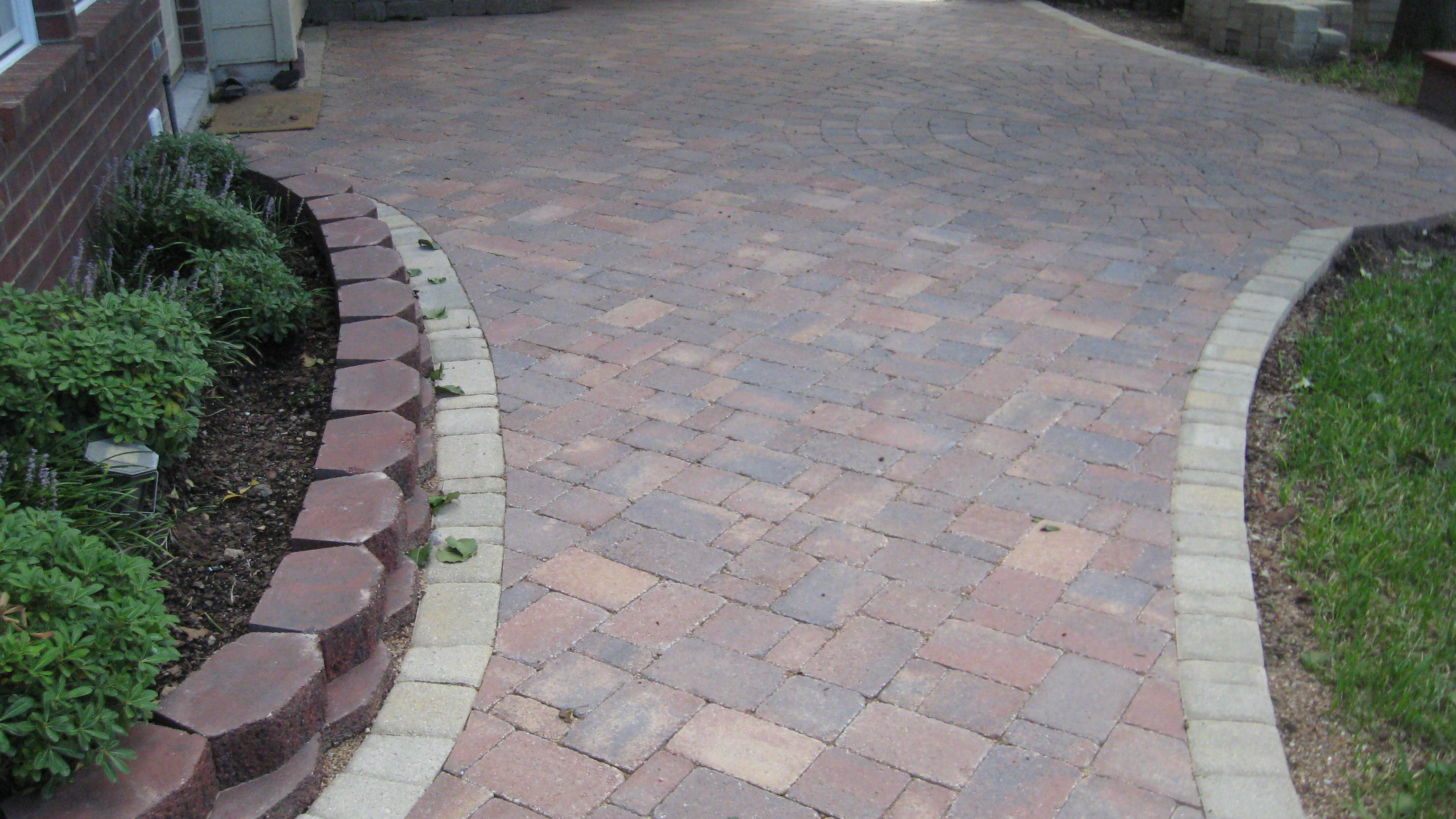 Benefits Of Patios Made From Concrete Pavers Legacy Custom