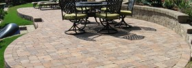 Circulkar-Raised-Patio-Pavers